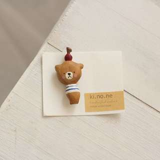 日本手作人kinone木小熊胸針brooch