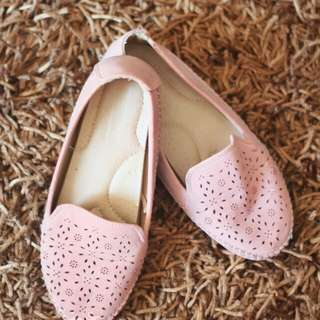 Pink dollshoes