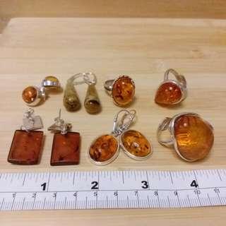 天然琥珀 鑲純銀吊咀戒指耳環及手鏈, 每克gram 清貨價 38元, 多量價錢可以商議