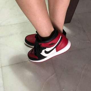 (US 6) Air Jordan 1 bred toe