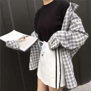Side stripe skirt