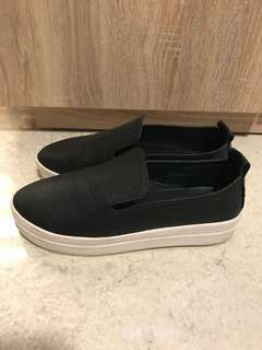 Korean Style Black Slip On/Sneakers