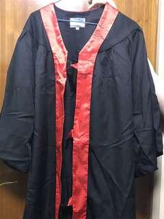 紅邊 畢業袍 中碼 細碼