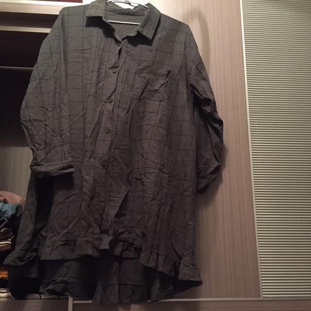 墨綠色長版格子襯衫(下擺是魚尾造型)