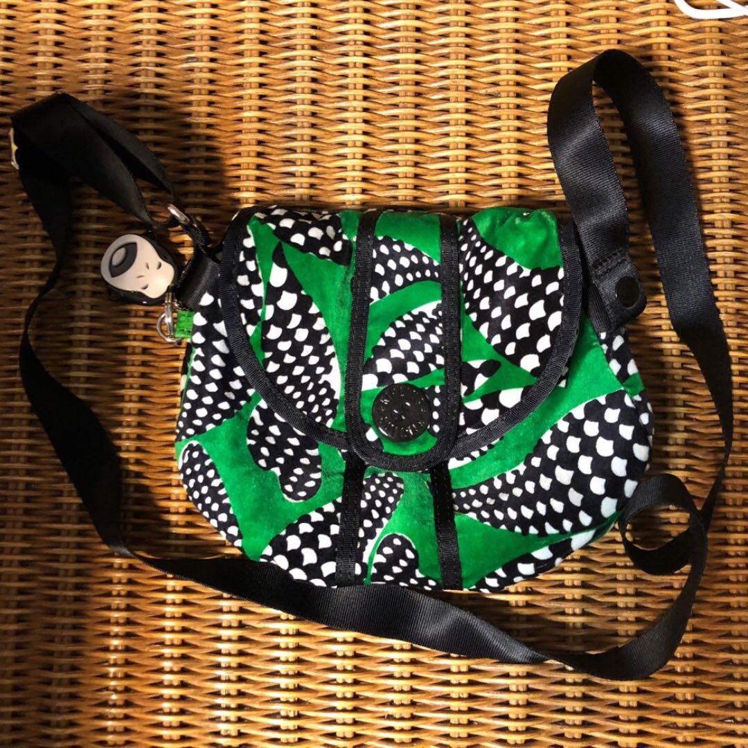 二手正品 Kipling 綠色黑白格紋小包 絨布質感