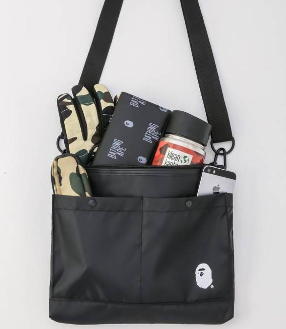 e5c9bcc0b8e0 BAPE Shoulder Bag