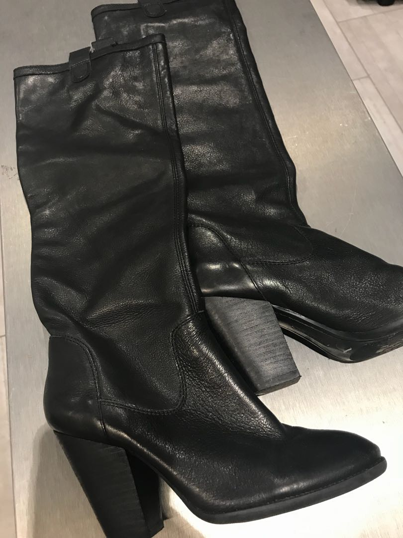 Black booties Vince Camuto