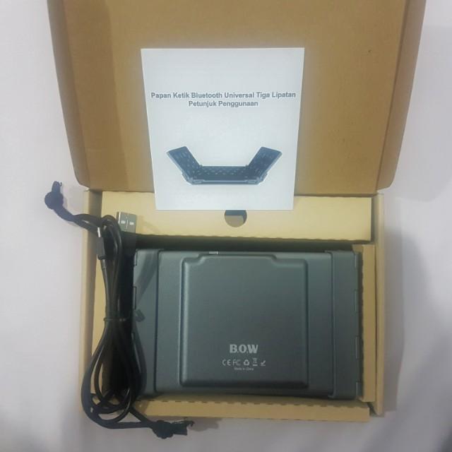 B.O.W universal foldable bluetooth keyboard HB066