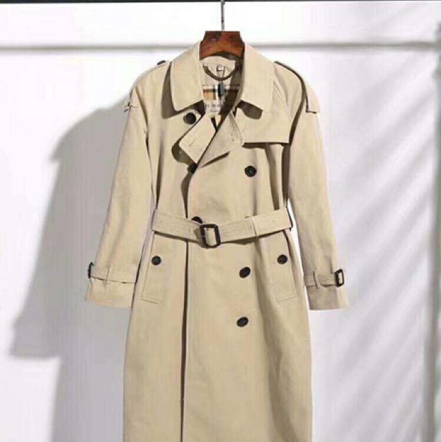 Burberry trench coat mid length long length