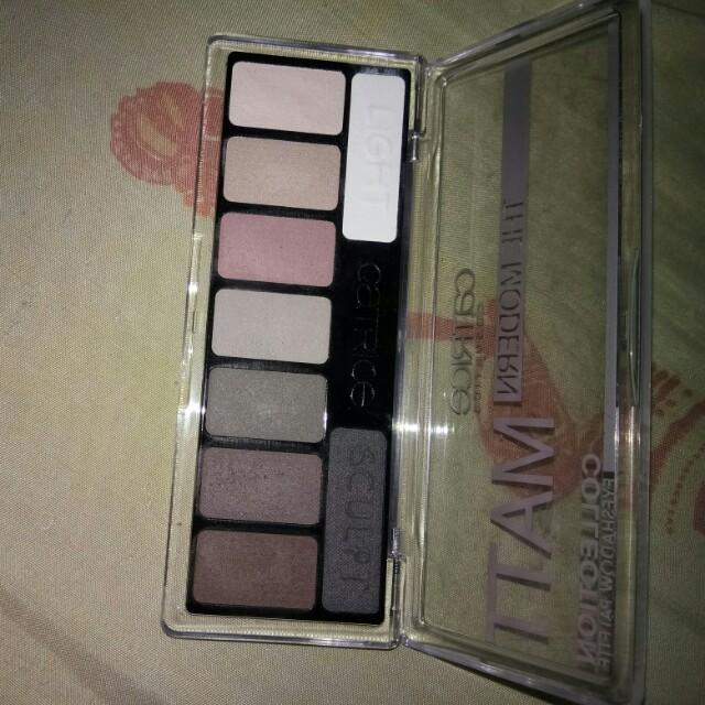 Catrice cosmetics the modern matt collection eyeshadow palette