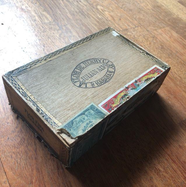 Cuba Havana cigar wooden case