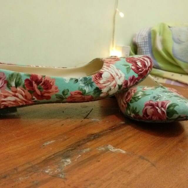Flowers flat shoes