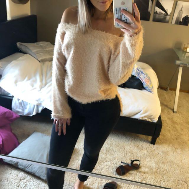 Fluffy jumper knit