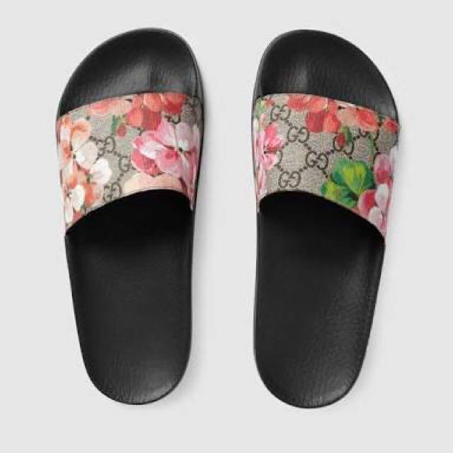 Gucci flora slides