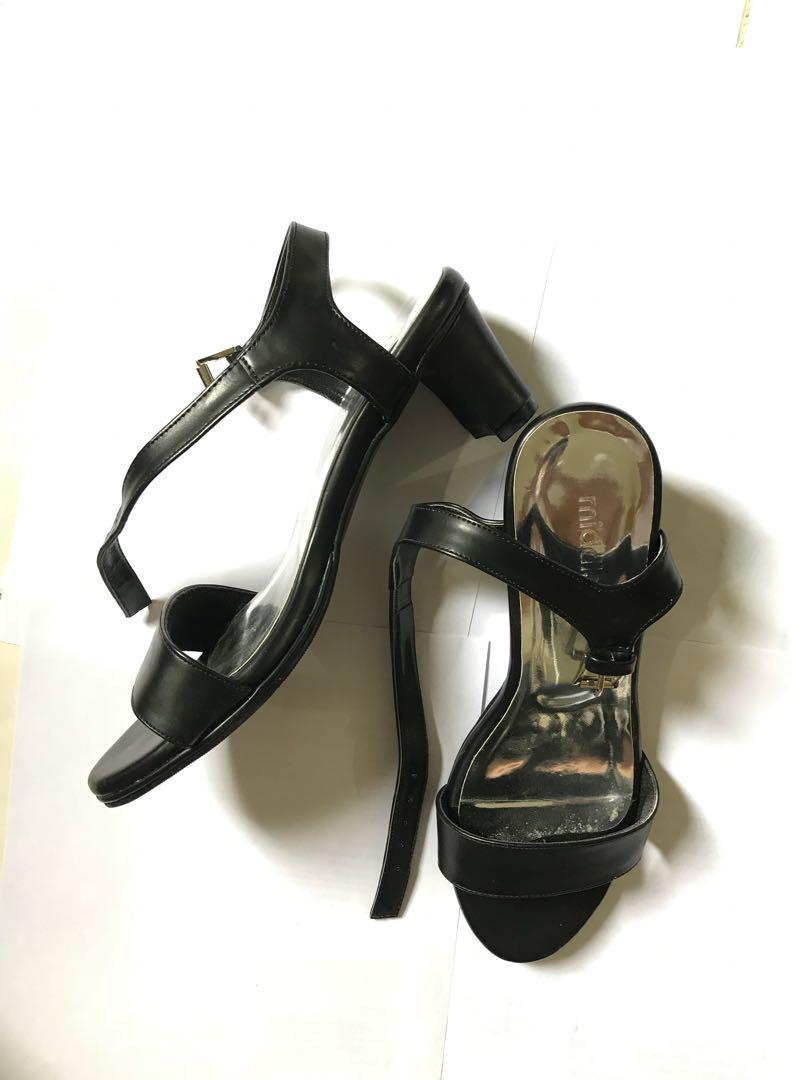 Heels Hitam Preloved Fesyen Wanita Sepatu Di Carousell