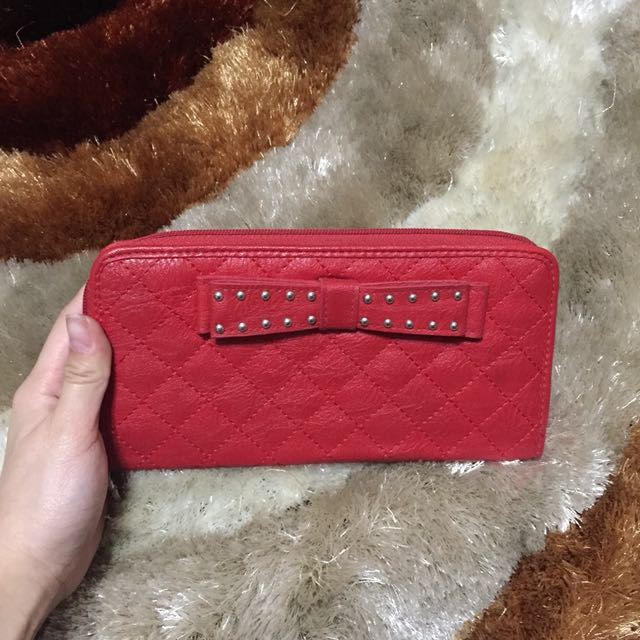 Jessica Simpson red wallet