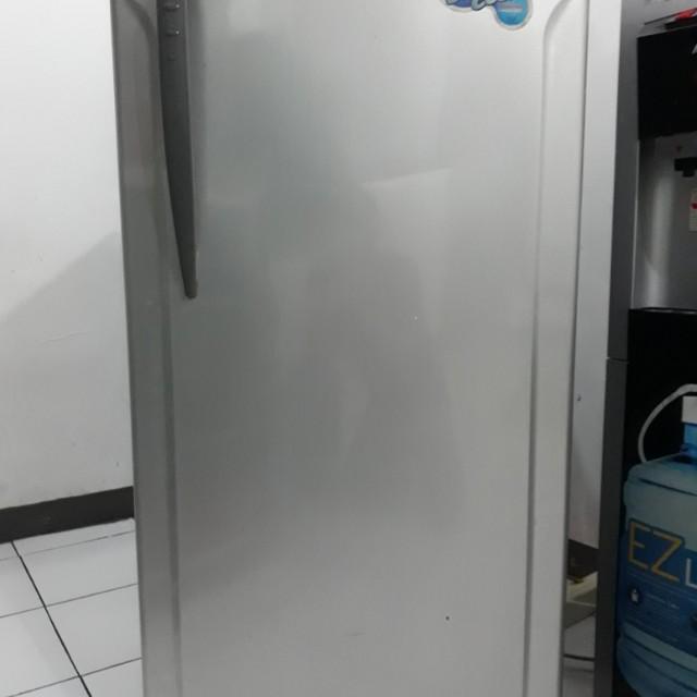 Kulkas Asi Full Freezer
