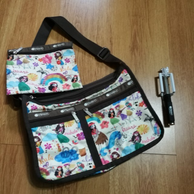 Lesportsac Everyday Bag With Selfie Stick Women S Fashion Bags Wallets On Carou