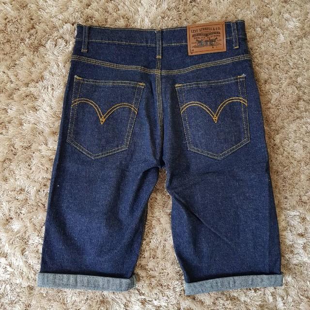 Levis 1/2 pants