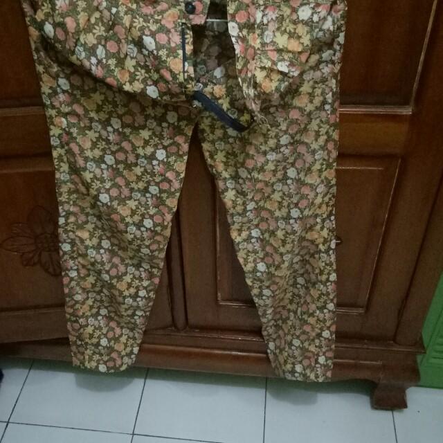 Long pants flower