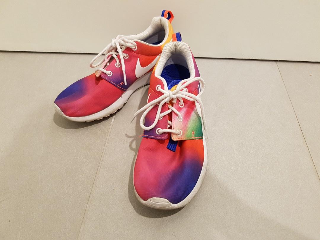 98ab095453f3 Nike Roshe Run Japan edition