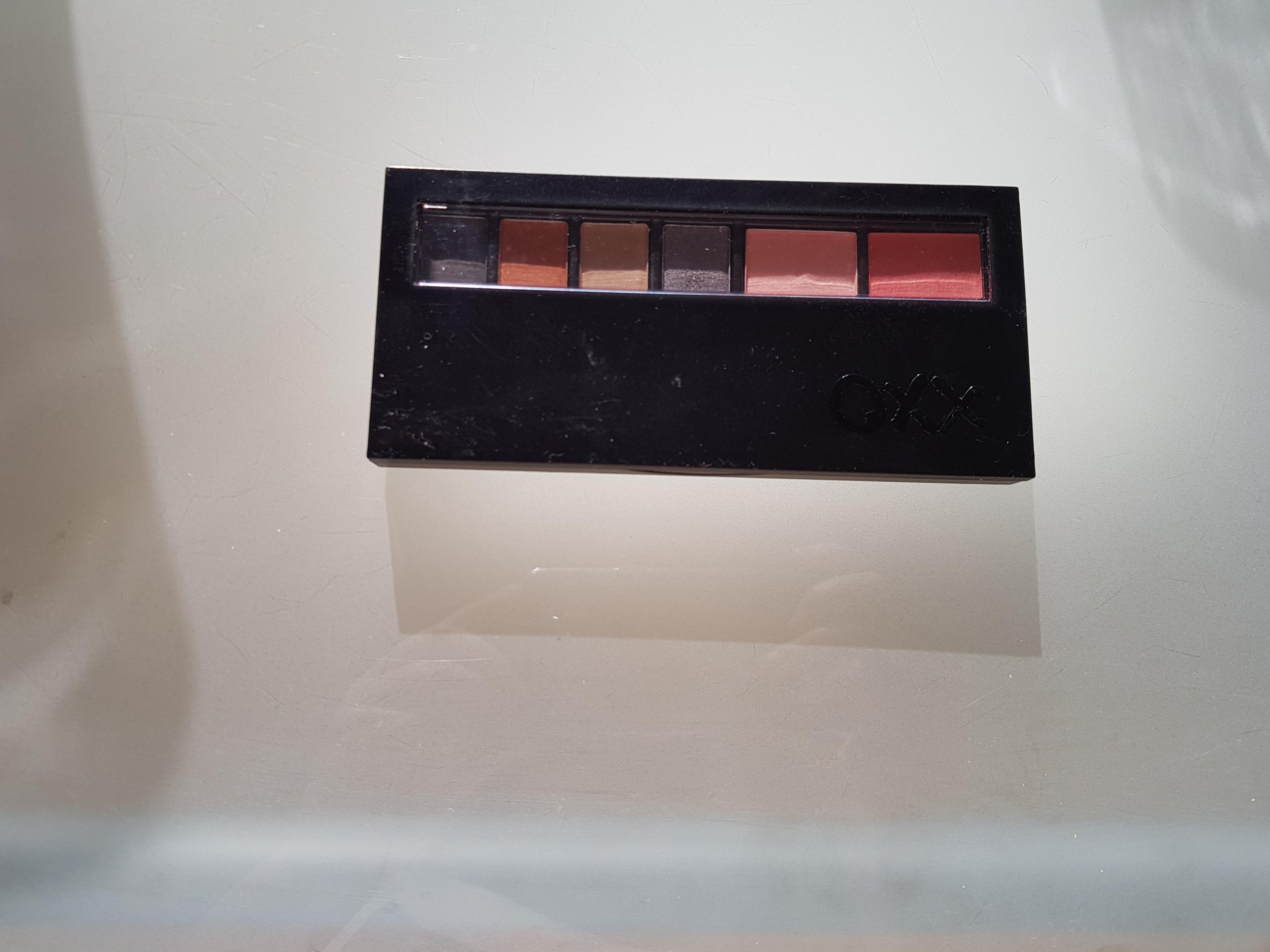 Oxx makeup palette