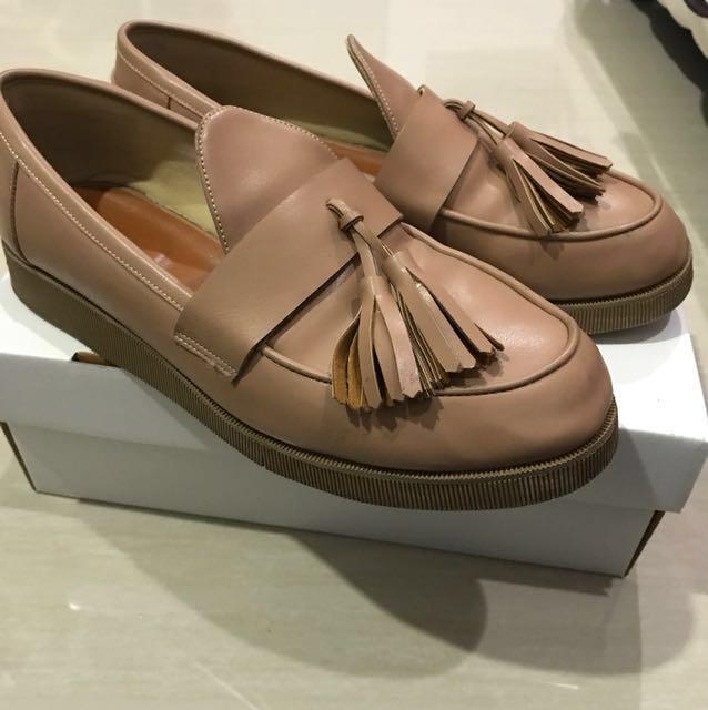 Pale peach tassel Shoes