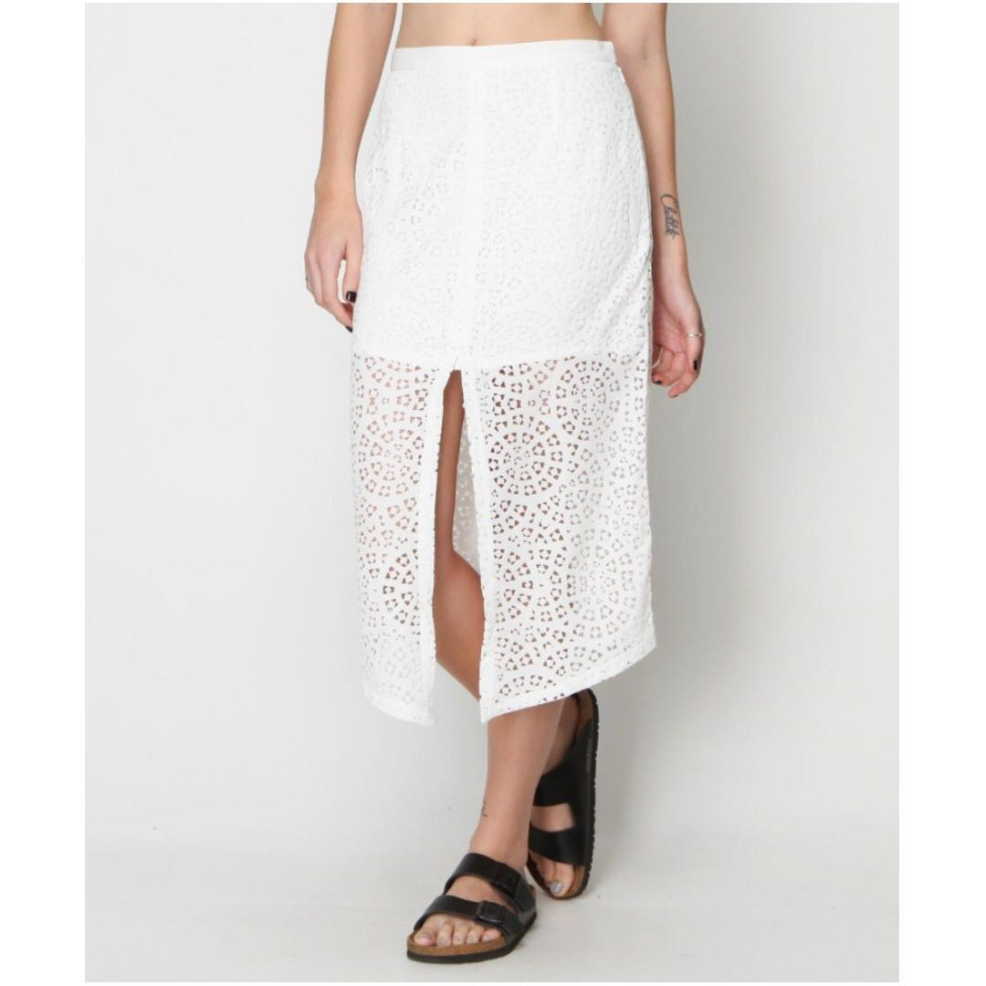 PRICE REDUCTION!!! MAURIE AND EVE LASER CUT ELEMENT SKIRT 8 RRP $180