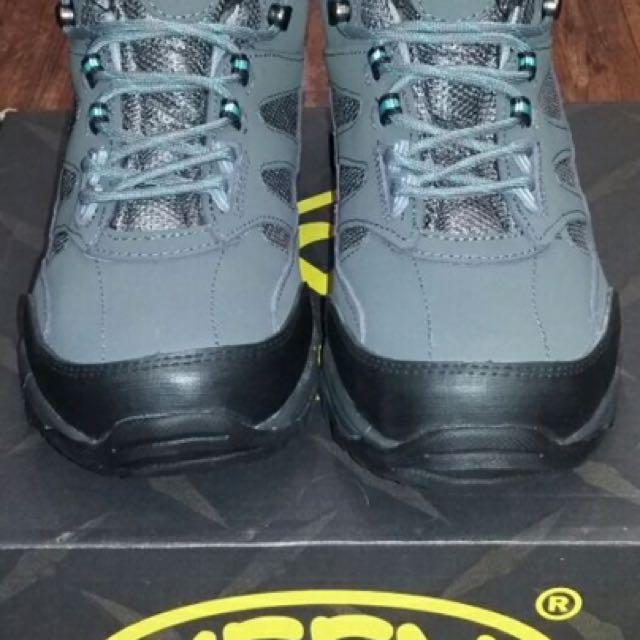 Sepatu hiking KEEN TIGER PAW 837459319f