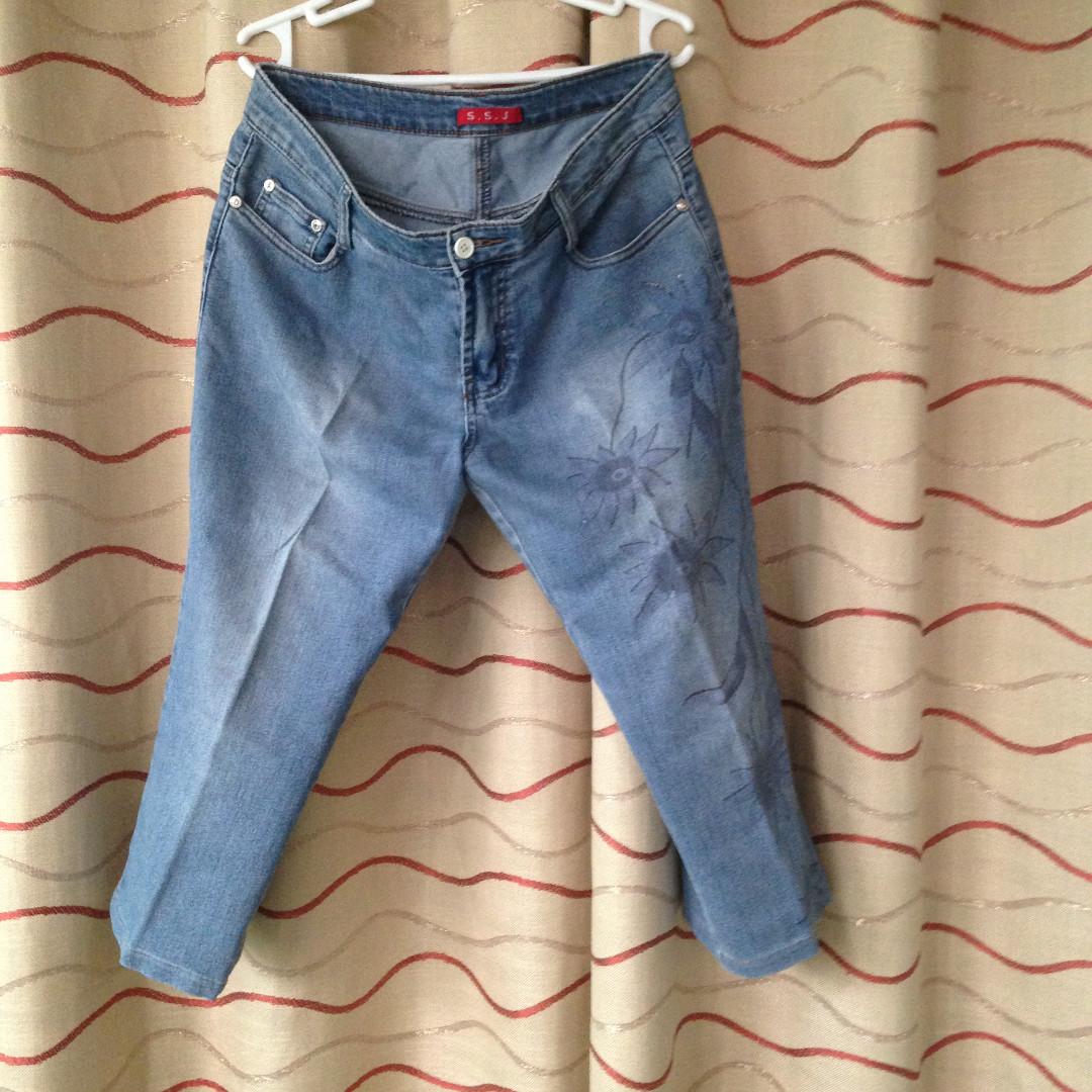 SSJ Capri (Tokong) Pants with Floral pattern