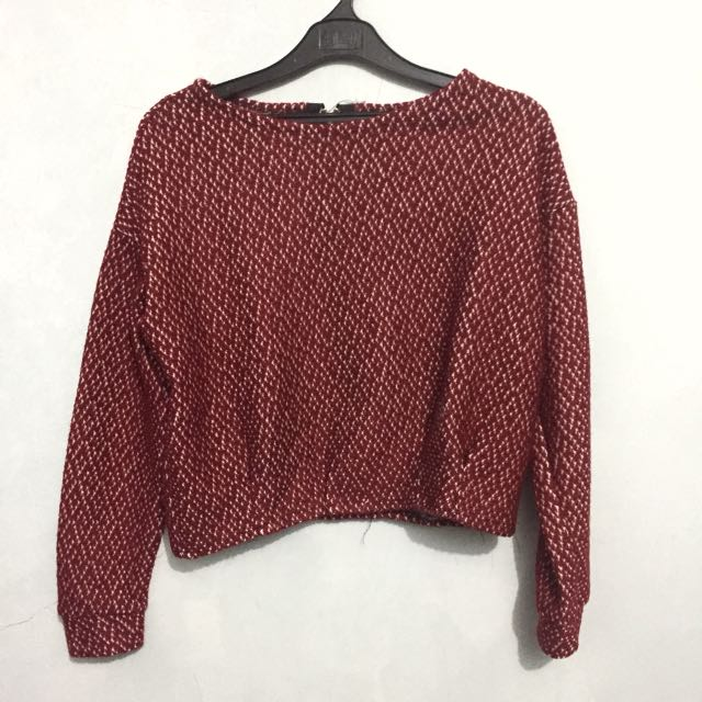 Sweater crop maroon