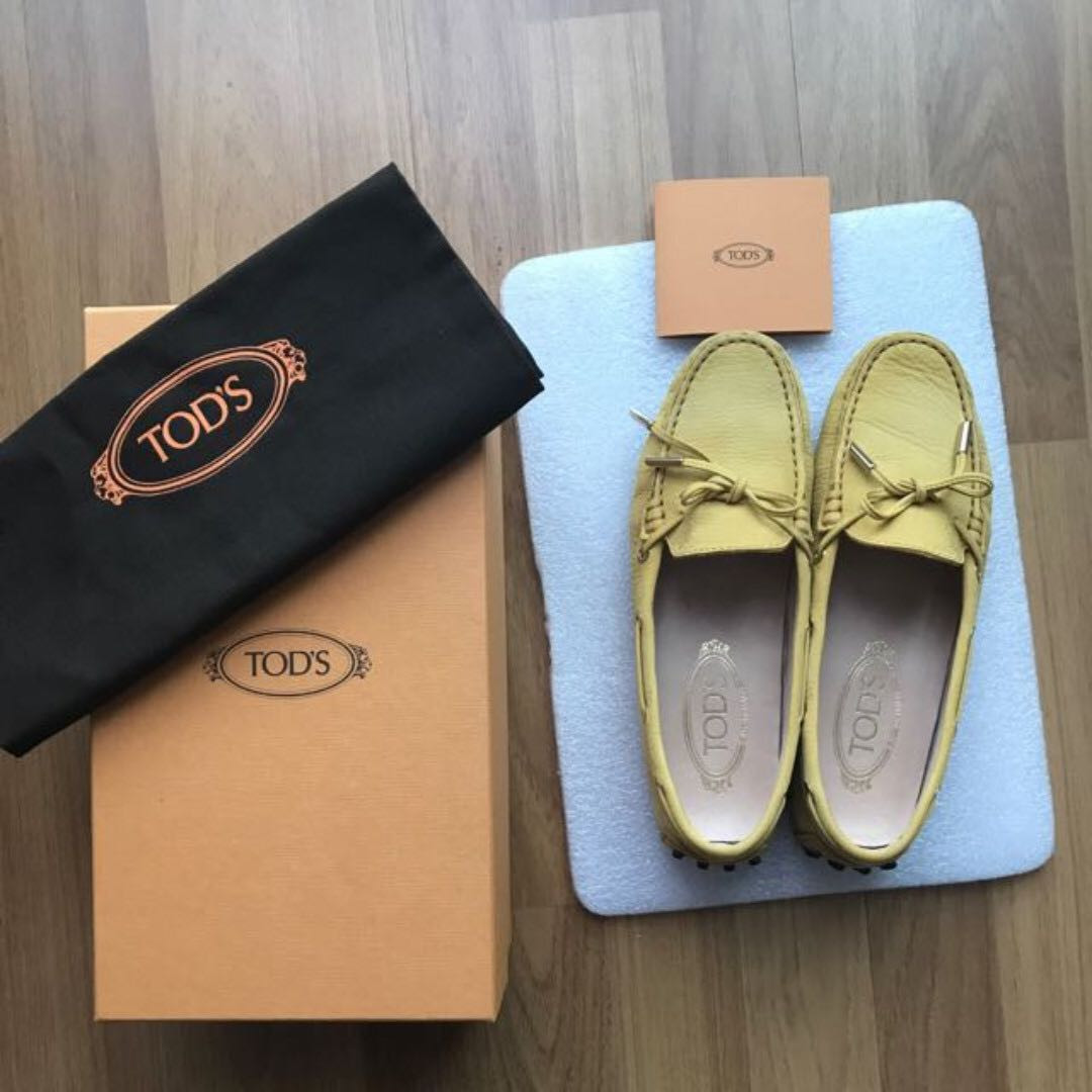 TOD'S like new✔Woman Size 36 Mustard Yellow Heaven Laced Driving Shoes Loafer Slip On