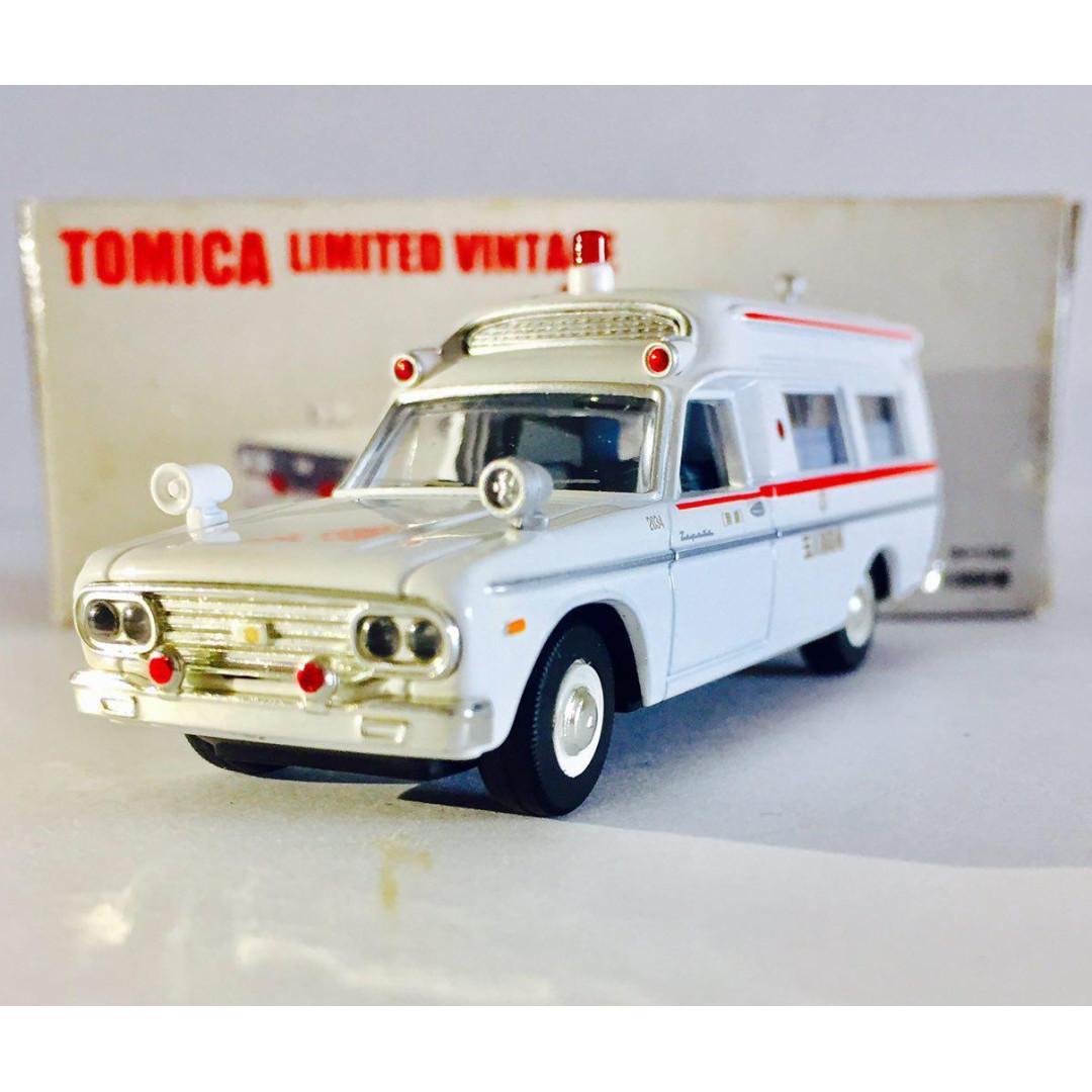 TOMYTEC TOMICA LIMITED VINTAGE LV-20a TOYOTA FS45V TYPE AMBULANCE - RARE