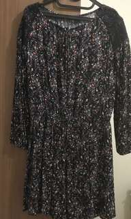 Dress Wanita Warna Hitam Kembang Kecil