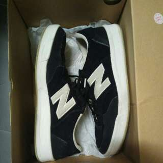 Authentic New Balance 300 black sneakers