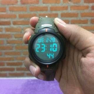 Jam tangan Army
