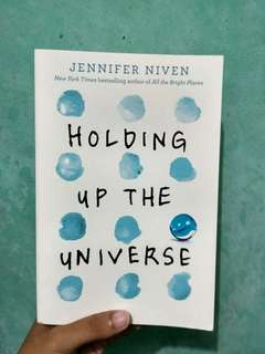 Buku Holding Up The Universe Jennifer Niven