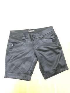 glossy short pants