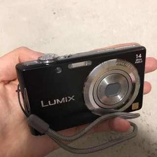 🚚 九成新相機(含記憶卡+電池)+充電器+備用電池