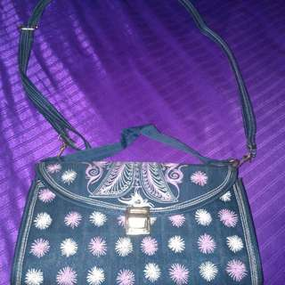 Preloved slingbag motif aceh/ preloved tas cewe motif aceh