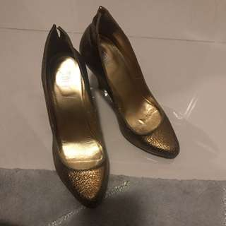 Gold Heels size 37