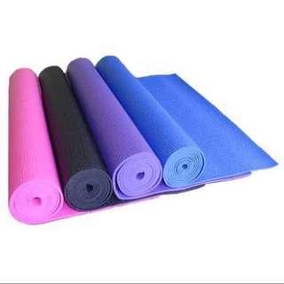 Yoga mat and yoga ball set