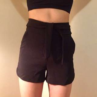 Dynamite Knot Shorts