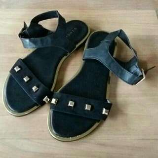 VINCCI Sepatu Sendal