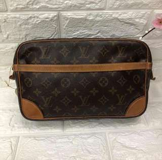Preloved Clutch Louis Vuitton Authentic
