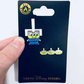 Tokyo Disneysea toy story green man alien pixelated pin badge
