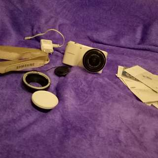 Camera mirrorless SAMSUNG NX2000