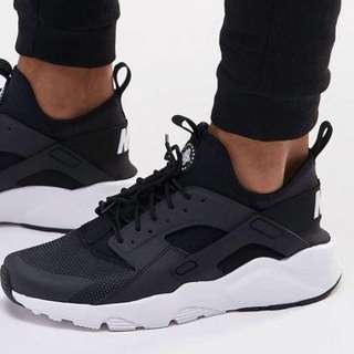 Nike Huarache Shoes 👟