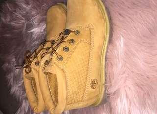 -- 🌸 ORIGINAL Timberland Nellie Boot 🌸 --