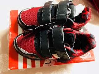 Adidas Avengers size 11K boys